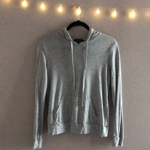 Cute lite grey thin sweater